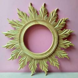Mirror Leaves Seledri